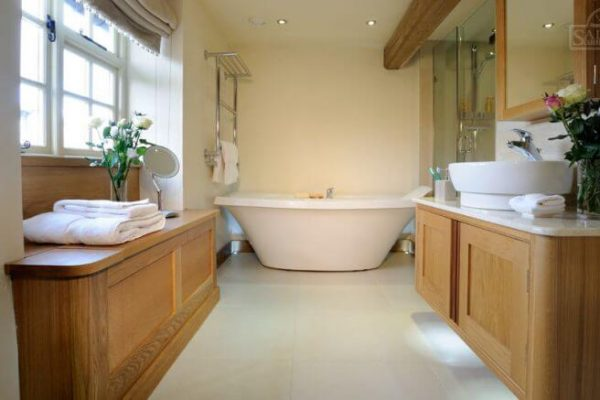 fitted-bathroom-northampton-768x437