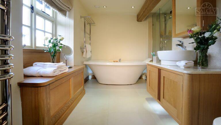fitted-bathroom-northampton-768x437